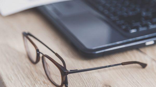 finansowanie okularów przez pracodawcę