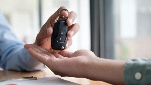 Sprzedaż firmowego samochodu